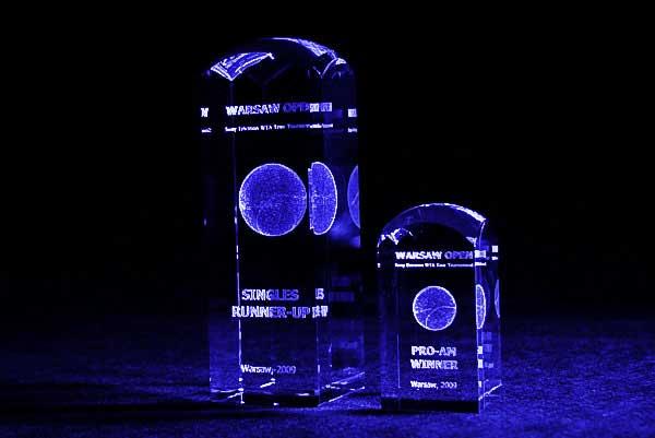Nagrody w turnieju tenisowym szklane statuetki