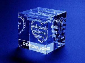 Statuetka szklana pamiątka dla XI WOśP