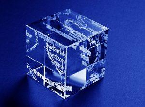Szklana statuetka grawer 3d dla WOŚP