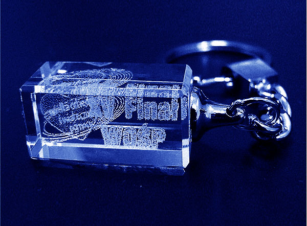 Brelok szklany do kluczy grawer 3d