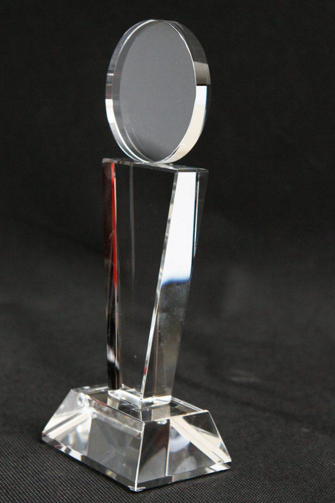 Medal szklana statuetka widok z prawej
