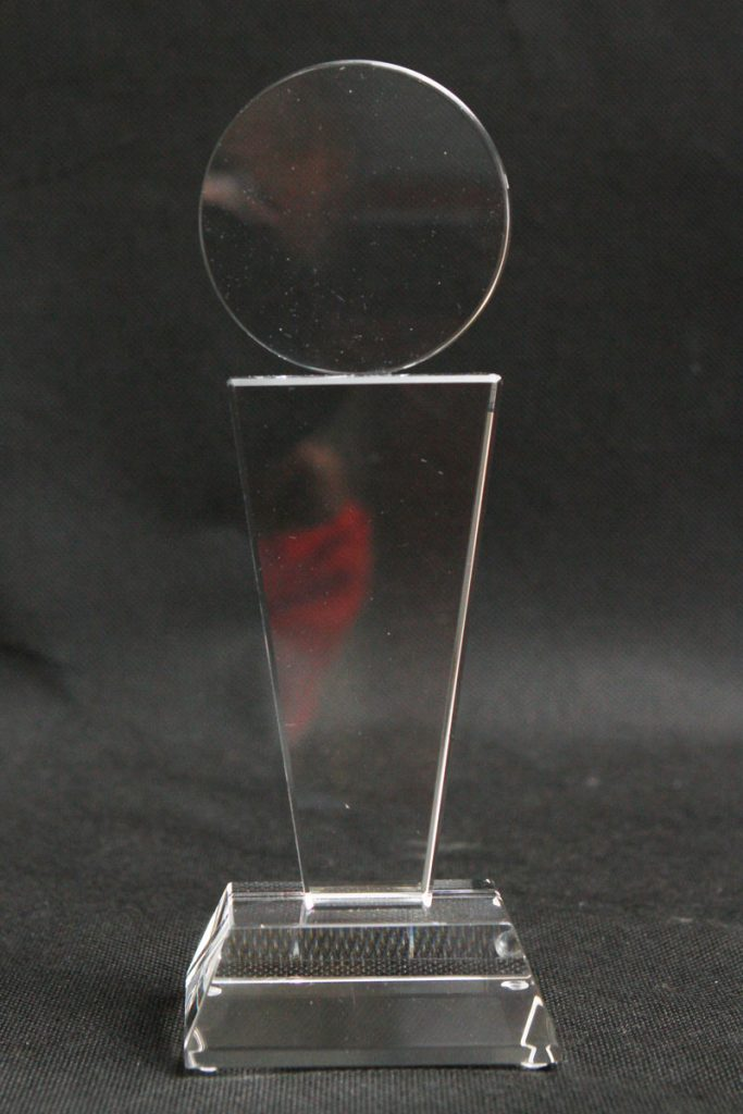 Medal szklana statuetka widok na wprost