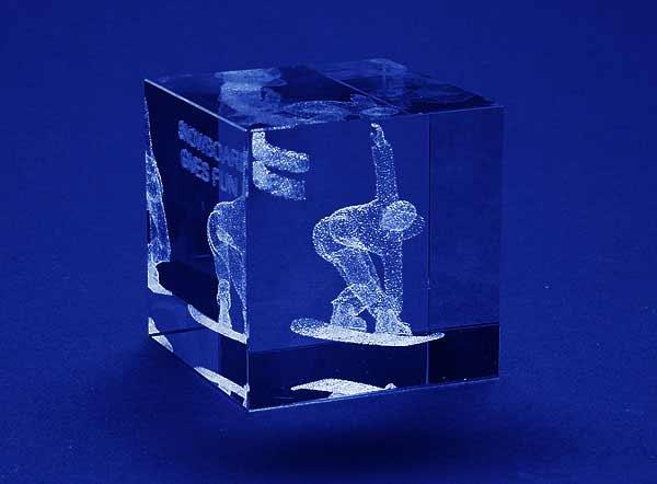 Statuetka nagroda w zawodach snowboard