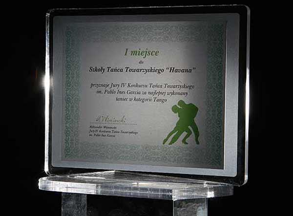 Statuetka nagroda dla szkoły tańca towarzyskiego